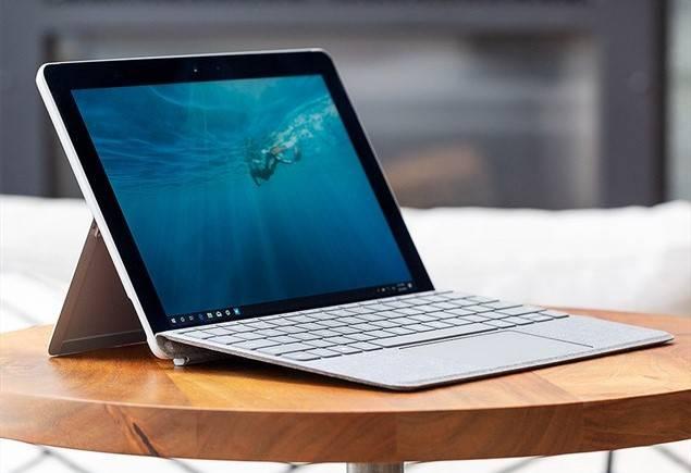 Планшет-на-Windows-Surface-Go.jpg