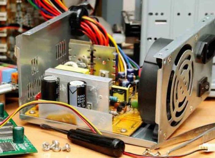Proverjaem-kondensatory-v-bloke-pitanija-e1538511663540.jpg